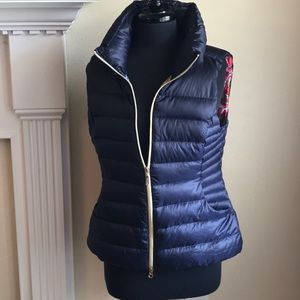Used Lilly Pulitzer Navy Puffer Vest size Large